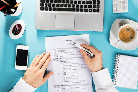9 Profession-Specific Resume Tips for IT, Finance, and Marketing Execs thumbnail image